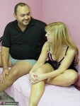 . Curvy MILF Liisa Blows Juppa Free Pic 2