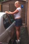 Melody. Car Wash Free Pic 8
