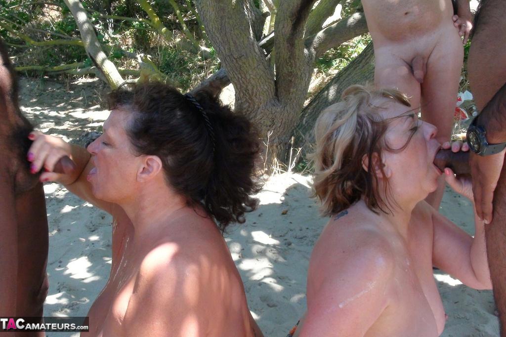 Outdoor amateur bukake -