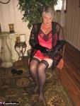 Girdle Goddess. On Your Knees Free Pic 1