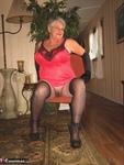 Girdle Goddess. On Your Knees Free Pic 9