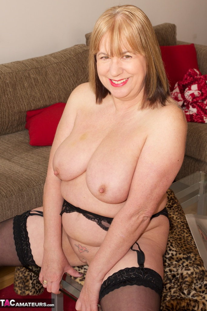 Mature women with long nipples-9088