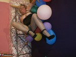 Caro. Balloon Crushing Pt1 Free Pic 18