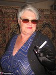 Girdle Goddess. Sunglasses, Gloves & Smoking Free Pic 3