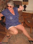 GirdleGoddess. Sunglasses, Gloves & Smoking Free Pic 7