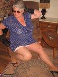 Girdle Goddess. Sunglasses, Gloves & Smoking Free Pic 7