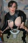 Mary Bitch. Smoking On The Toilet Free Pic 19