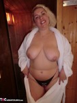 Barby. Barby Gets Hot & Steamy Free Pic 3