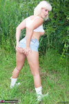 LusciousModels. Brittany Outdoors Pt1 Free Pic