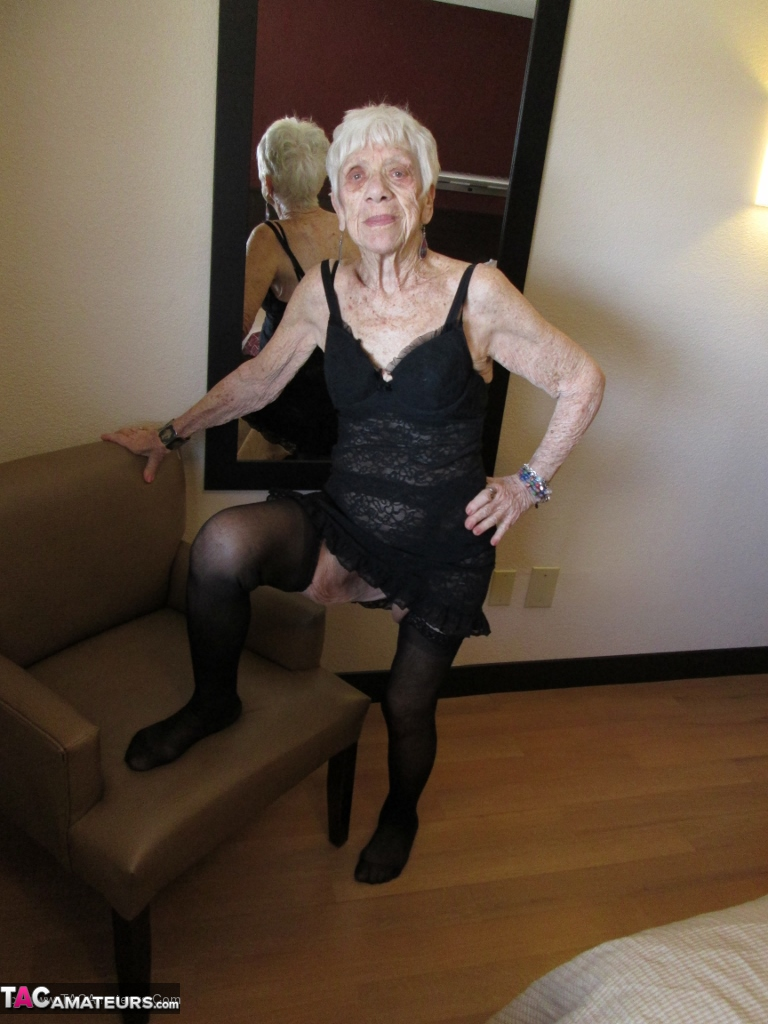 Old lady sexy video-9785