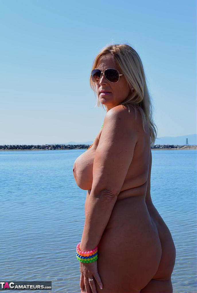 Nude Chrissy Easter Nudist Beach Free Pic 17-1029