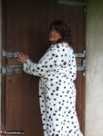 Sandy. See whats under my spotted dressing gown Free Pic 5