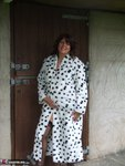 Sandy. See whats under my spotted dressing gown Free Pic 6