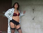 Sandy. See whats under my spotted dressing gown Free Pic 13
