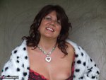 Sandy. See whats under my spotted dressing gown Free Pic 19