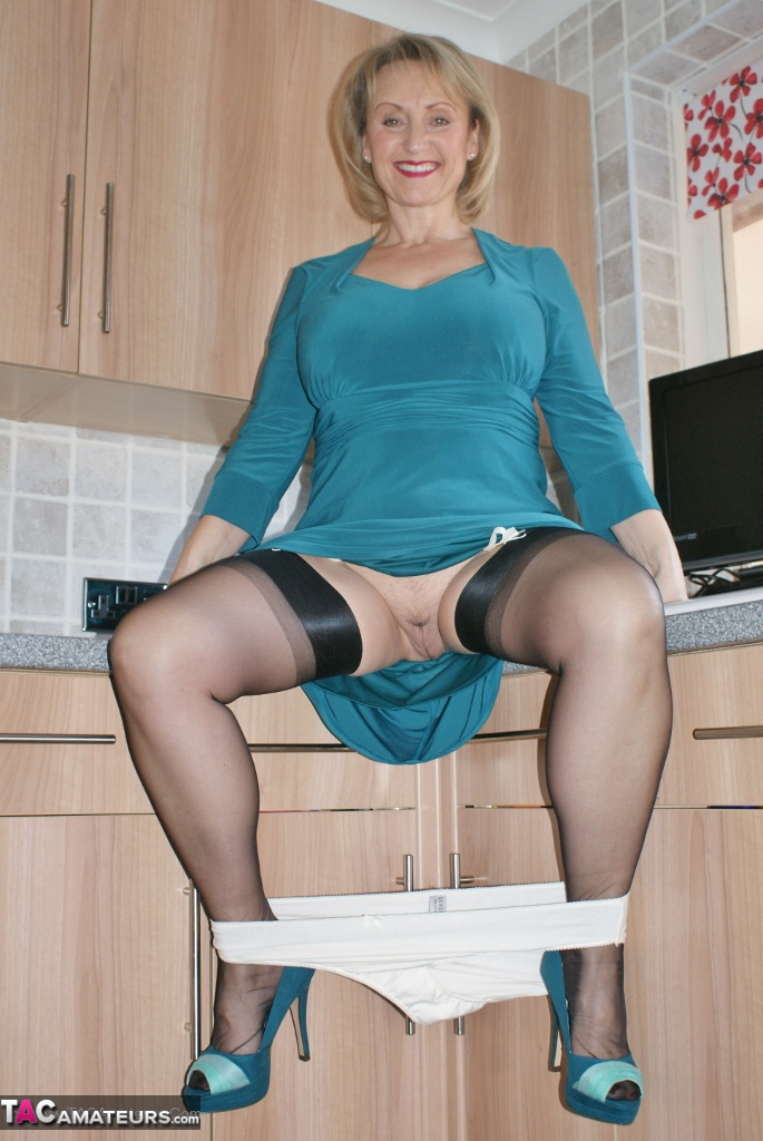 Sexy Navel Porn
