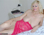 Dimonty. Pink Nighty Free Pic 4