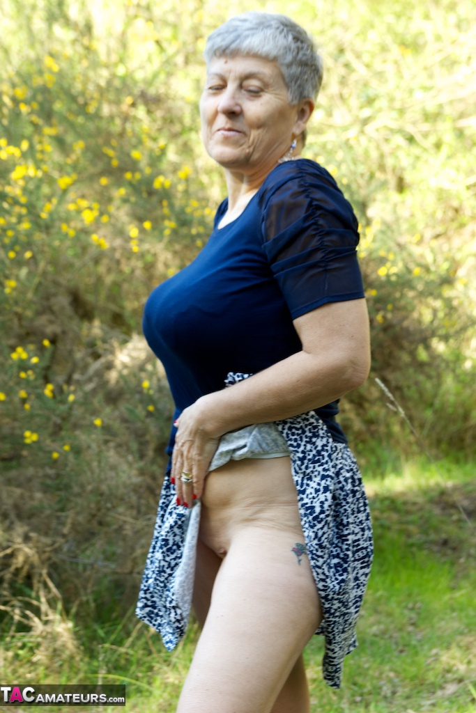 Mature in woods flashing