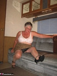 Girdle Goddess. Relaxing Free Pic 9