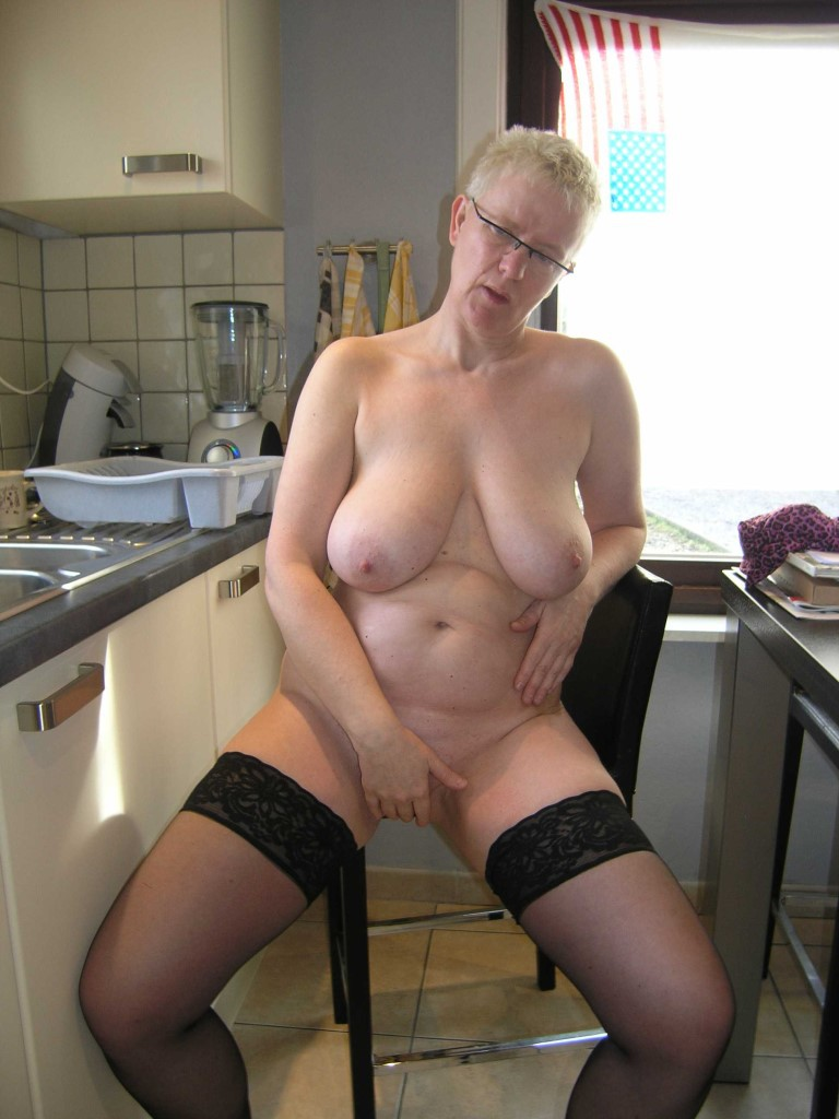 Erotic mature housewife stories