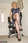 . MILF Wank Free Pic 2