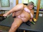 Grandma Libby. Tropical Horn Free Pic 16