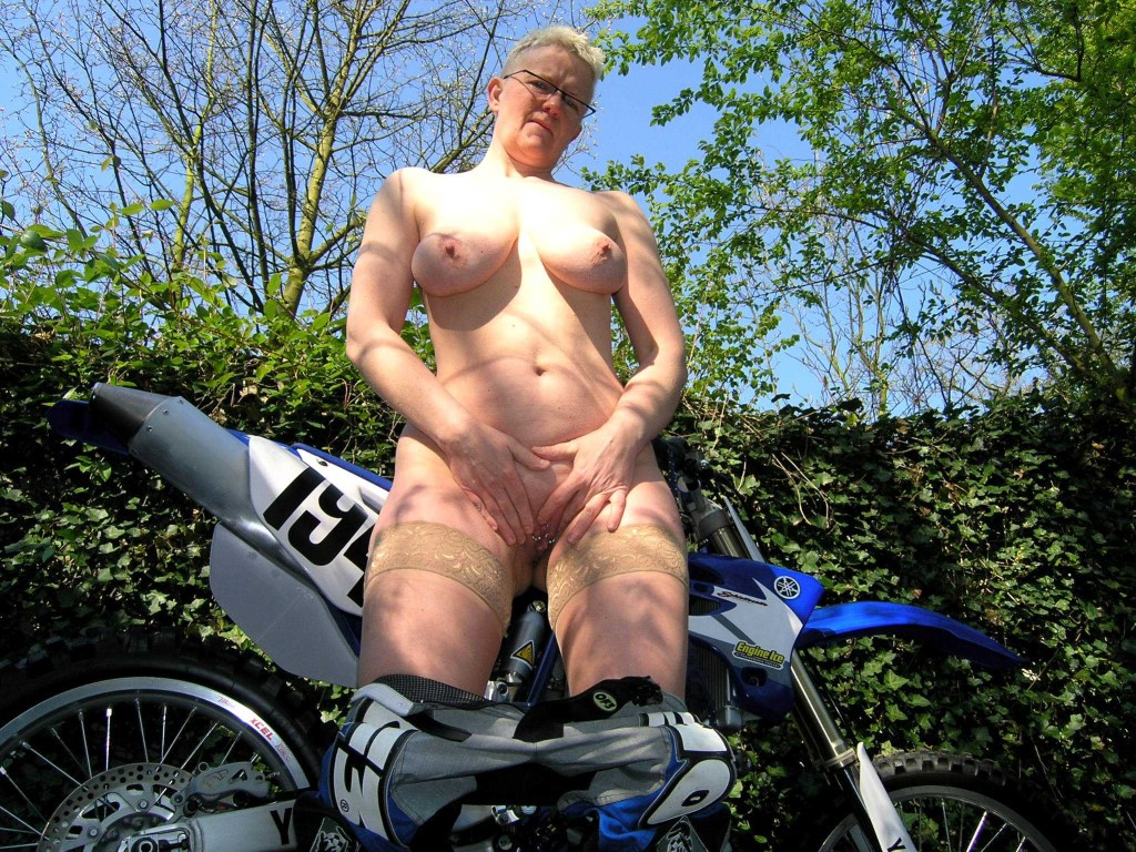 Porn girls dirt bike