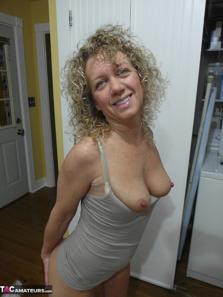 Black short hair milf
