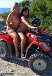 NudeChrissy. Naked Island Trips Free Pic 14