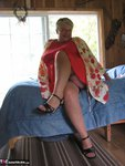 GirdleGoddess. Tree House Cabin Free Pic 2