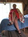 Girdle Goddess. Tree House Cabin Free Pic 2