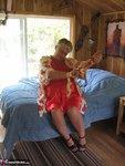Girdle Goddess. Tree House Cabin Free Pic 3