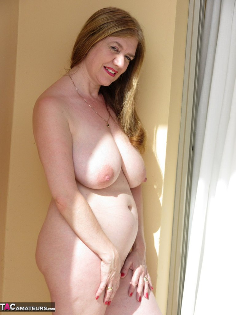 Big Tits Mature Busty Natural