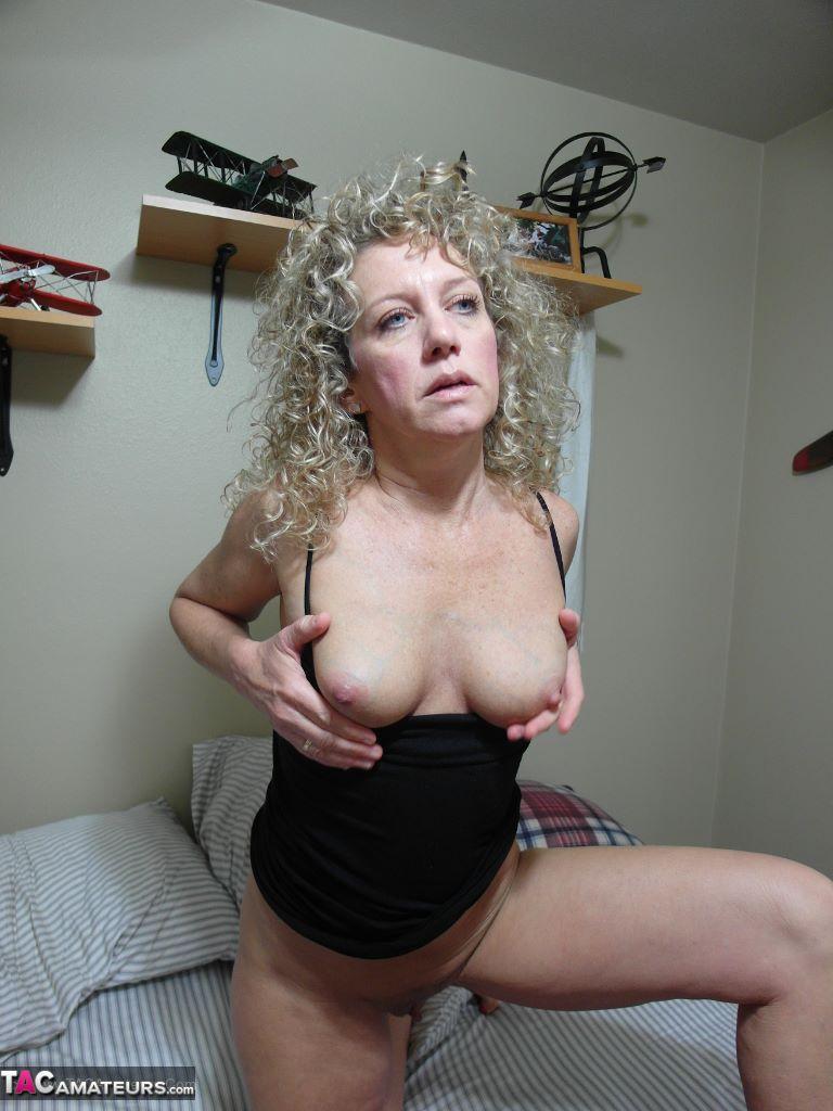 giovani femmine nude