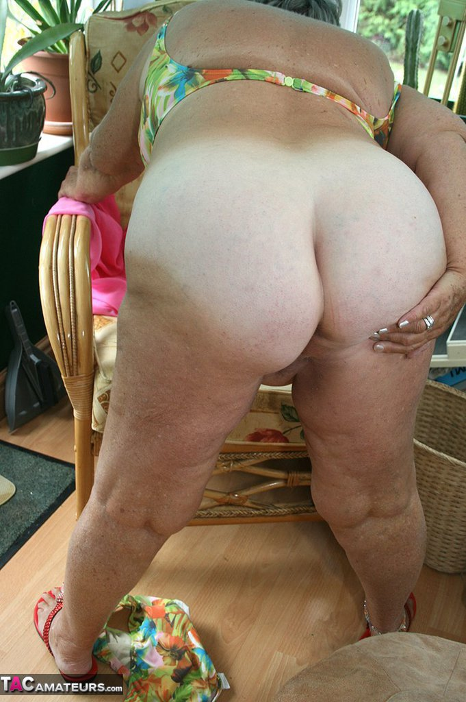 Adult Pictures Short haircuts and shaved napes