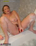 AwesomeAshley. Bathtime Fun Free Pic 8