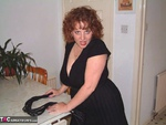 Curvy Claire. Kitchen Capers Free Pic 1