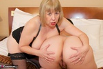 SpeedyBee. Fun With Sarah Jane Free Pic 12