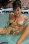 Georgie. Bathing Free Pic