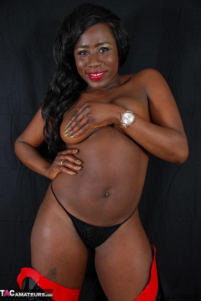 Janella private pics ebony black ethnic stripper ass