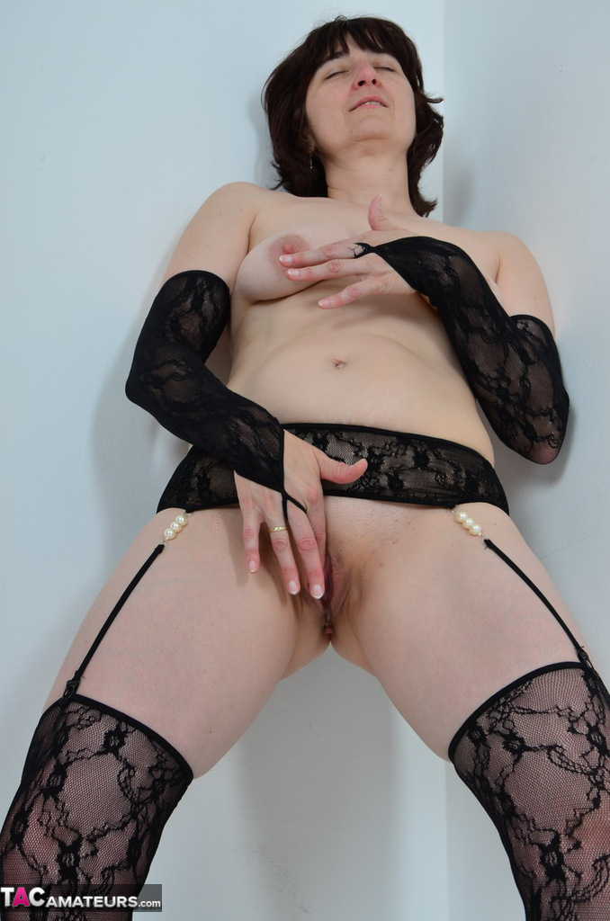 Candy Rose Posing In Sexy Wet Blouse And Stockings Anilos 1