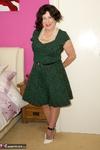SpeedyBee. The Green Dress Free Pic 4