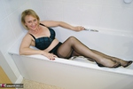 . Getting Dirty In The Bath Free Pic 2