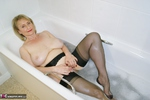 . Getting Dirty In The Bath Free Pic 7