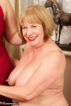SpeedyBee. Fun With Sarah Jane Pt1 Free Pic 10
