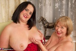 SpeedyBee. Fun With Sarah Jane Pt1 Free Pic 13