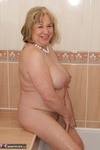 SpeedyBee. Bath Time Fun Free Pic