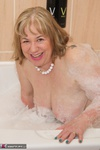 SpeedyBee. Bath Time Fun Free Pic 13