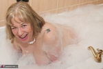 SpeedyBee. Bath Time Fun Free Pic 14