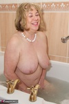 SpeedyBee. Bath Time Fun Free Pic 19